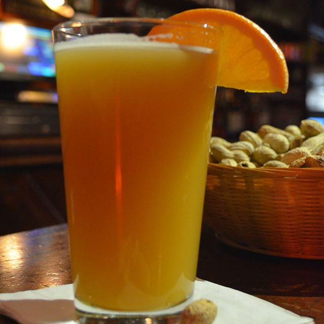 It's Oberon release week, and Michigan plays in the Sweet Sixteen tonight at 9:39. Come drink and watch at your favorite local watering hole.  #umichbb #marchmadness #sweetsixteen #oberon #petoskey #nomi #upnorth #thepub #seeyouatthepub #mitchellstmoose