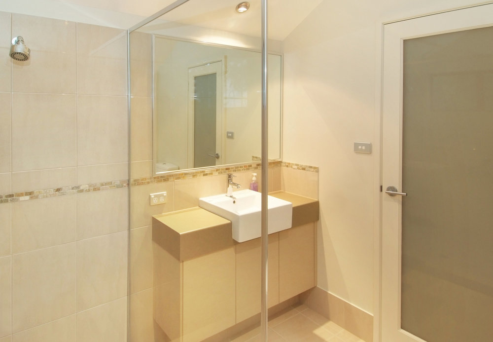 Goanna 2nd bathroom.JPG