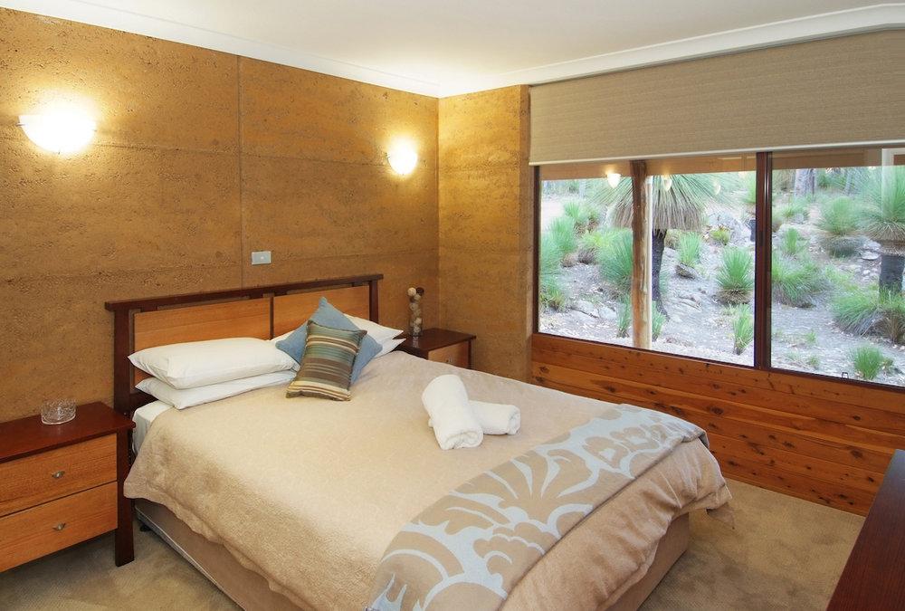 Goanna master bedroom2.JPG