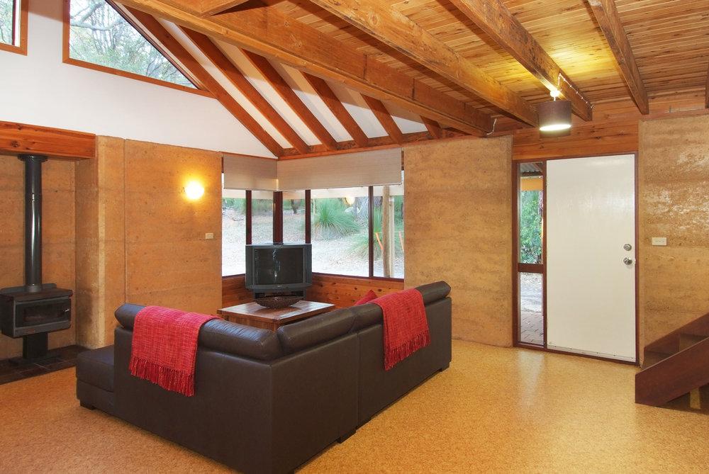 Kookaburra lounge (2).JPG