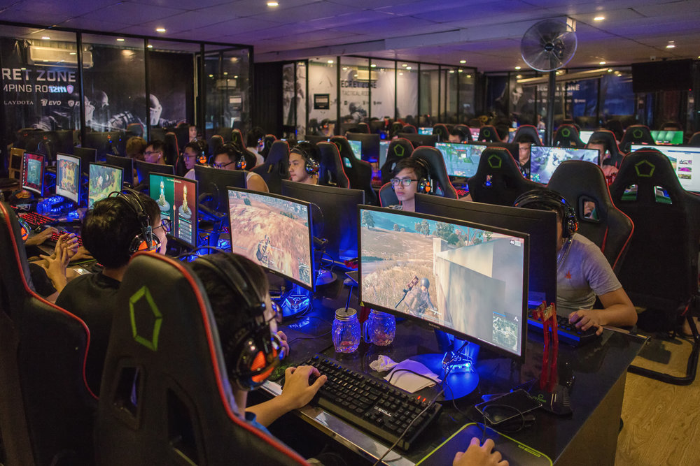 INSIDE VIETNAM'S BIGGEST CS:GO TOURNY   SEP 14, 2017