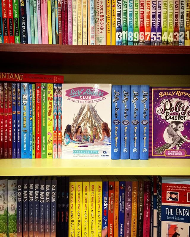 Loved seeing copies of the #surfridersclub book #2 at @kinokuniya_sydney 👋🏾🏄🏽‍♀️🏄🏼‍♀️🏄🏾‍♀️🏄🏿‍♀️🏄🏻‍♀️ #kidsbooks #bookstagram #australianbooks #surfing #girlswhosurf