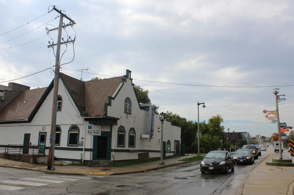 Judge's irish pub building -