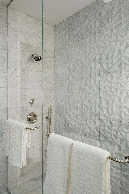 Master_Bath_Shower_3491.jpg