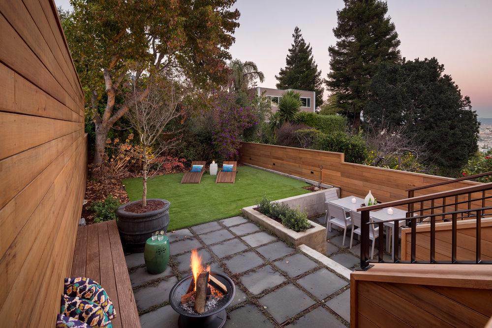 Yard_4558.jpg