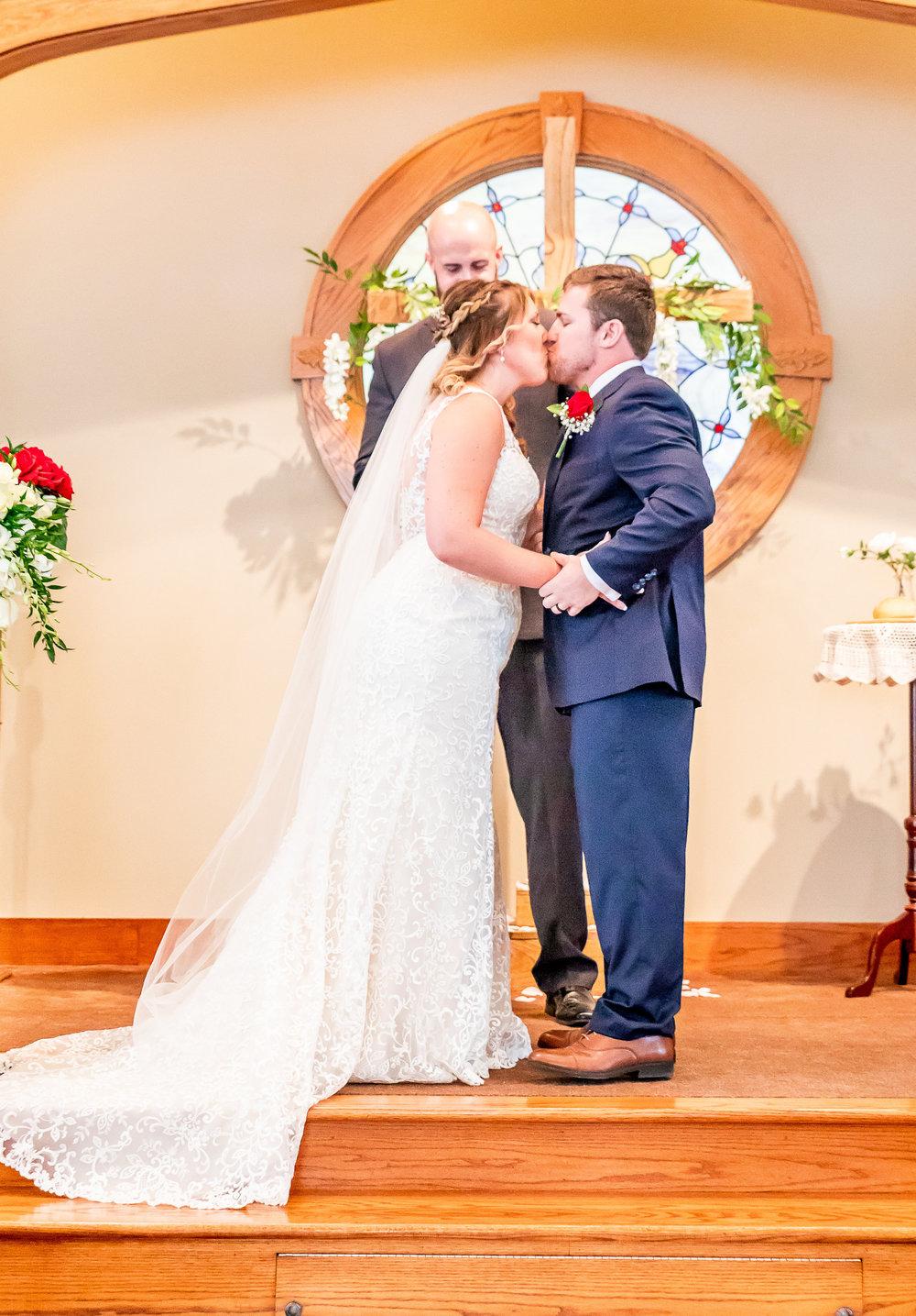 Alyssa-Riley-Wedding-607.jpg