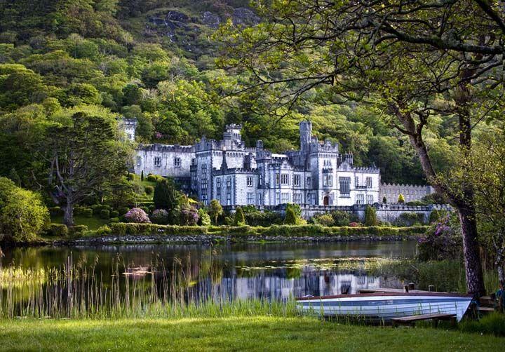 Kylemore Abbey Galway Ireland.jpg