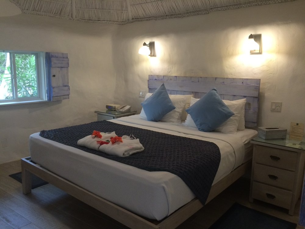 Wanderlust-blog-Galley-Bay-Bedroom