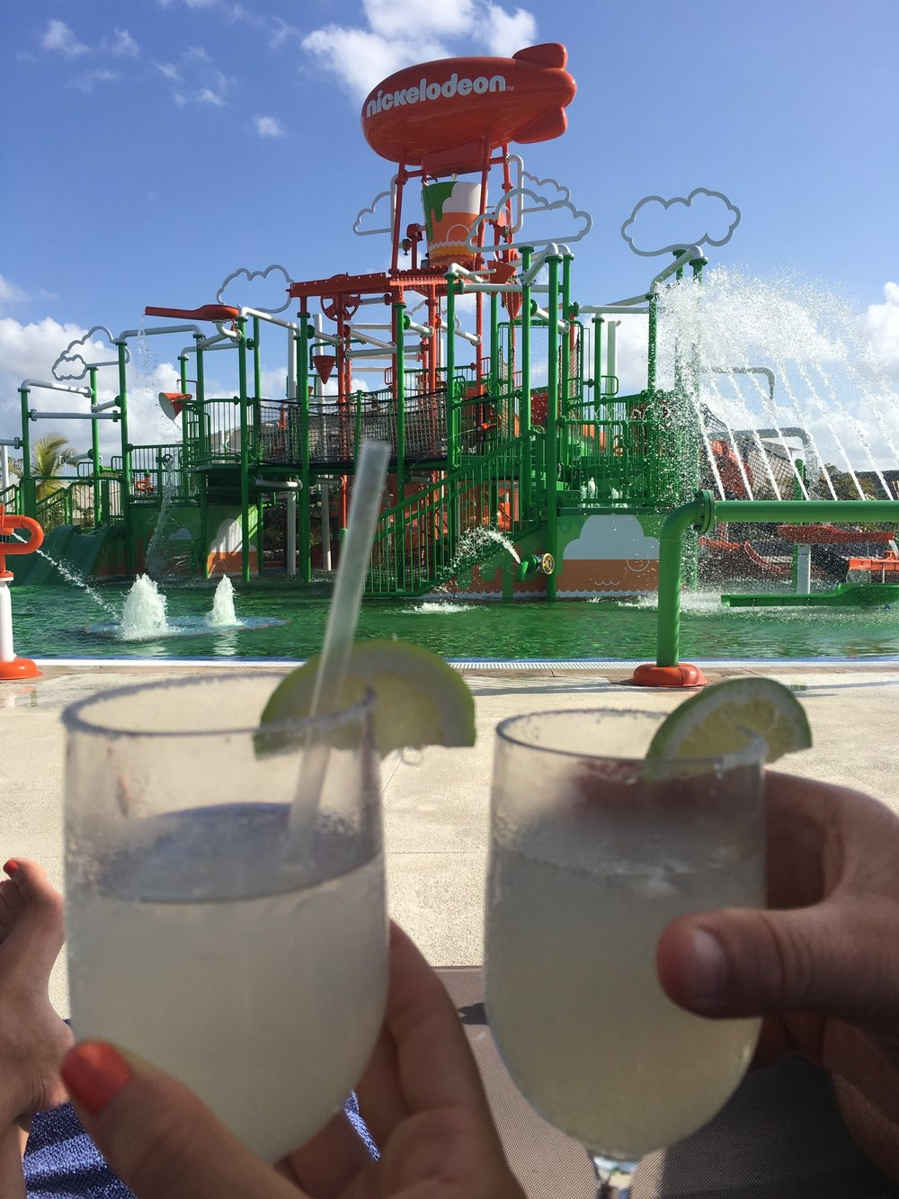 Wanderlust-blog-Nick-Punta-Cana-drinks-by-the-pool