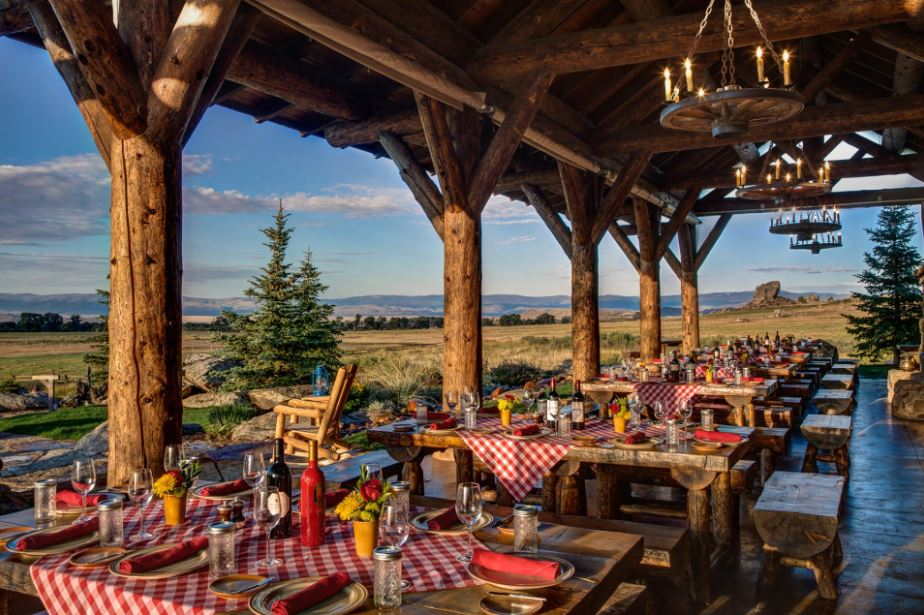 Wanderlust-blog-Wyoming-luxury-ranch-dining