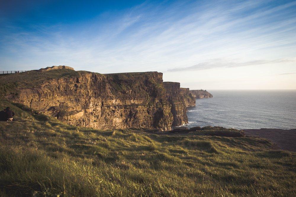 Wanderlust-Ireland-trip-visit-Ireland-cliffs-of-mohr