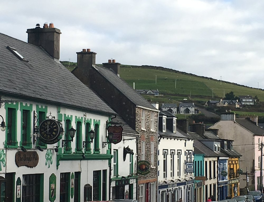 Wanderlust-Ireland-small-group-tour-Dingle