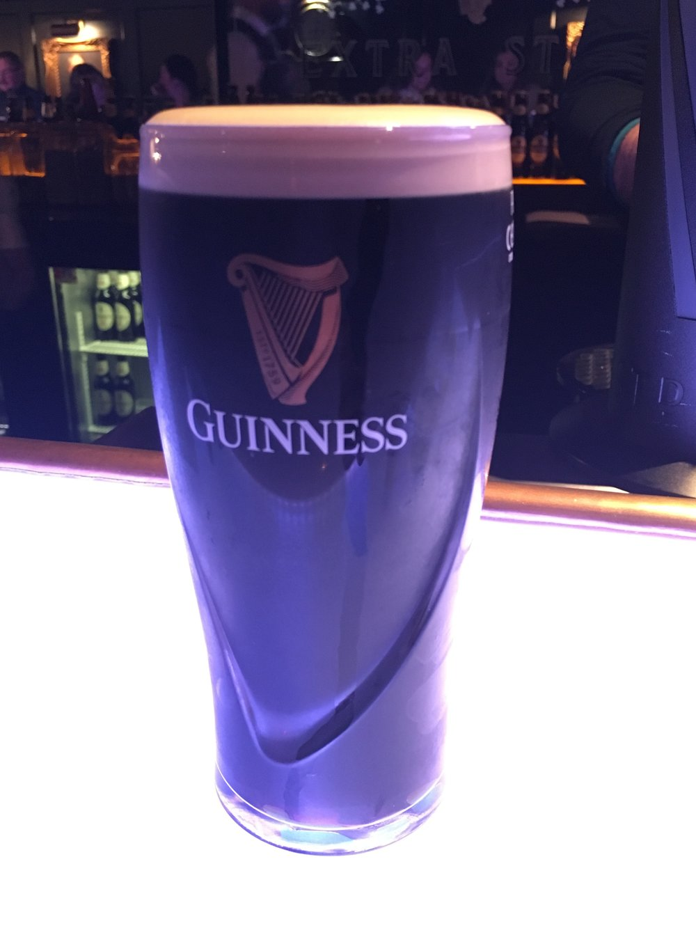 Wanderlust-blog-small-group-Ireland-trip-Guinness-beer