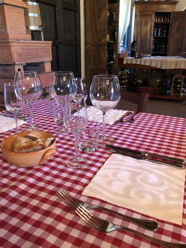 Wanderlust-Travel-blog-Southern-Italy-meal-time