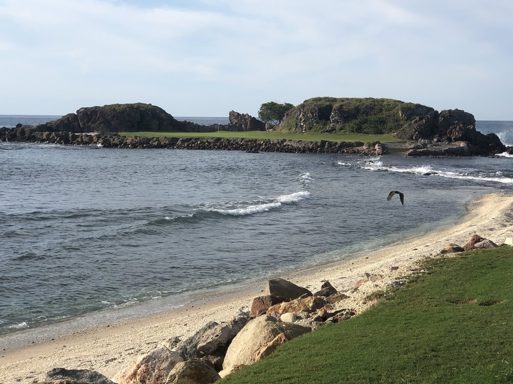 wanderlust-travel-punta-mita-golf-tail-of-the-whale-hole