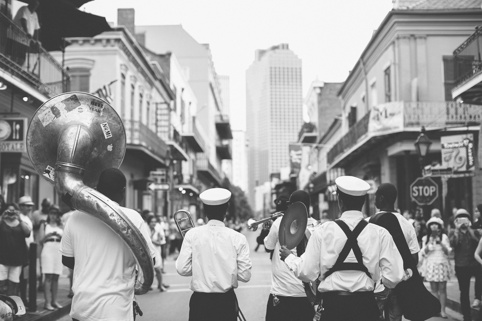 new-orleans-second-line-parade