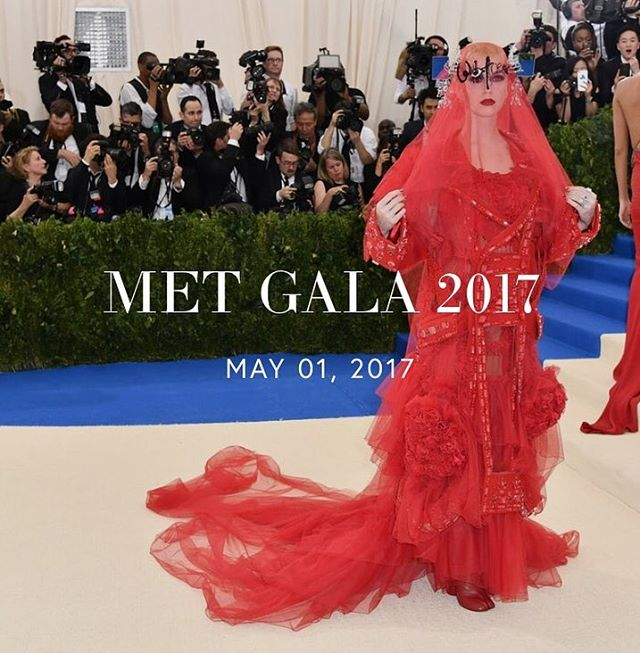 new post on the blog!  mkatec.com💃🏻 • • • • • • #metgala #met #commedesgarcons #fashion #art #nyc #katyperry #mkatec #collegeblogger #fashionblog