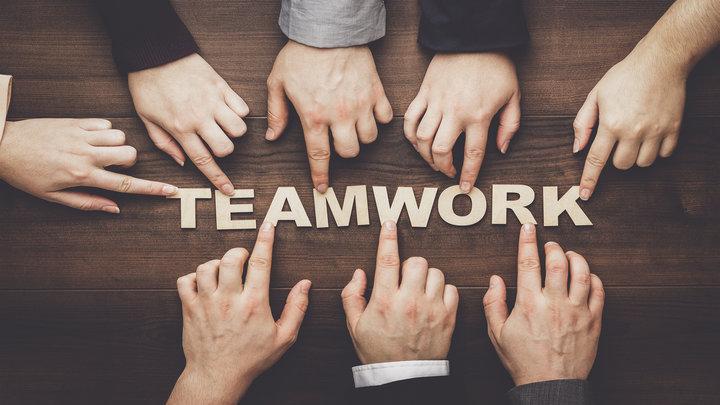 drone-workshop-teamwork-.jpg
