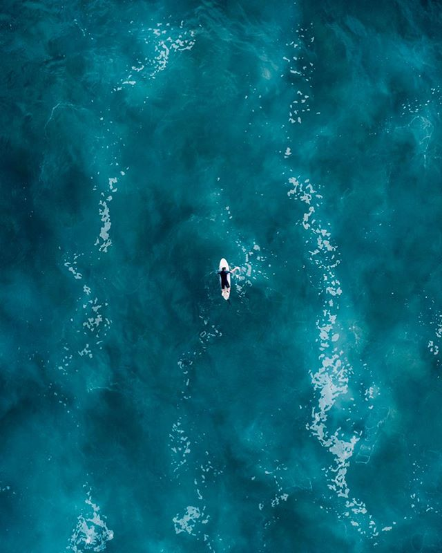 The lonely ocean paddler • • • #flytocreate #drone #drones #dronefly #dronelife #droneworld #dronegear #dronespace #droneporn #dronebois #droneshot #dronesetc #aerial #aerialhoop #aerialarts #aerialphotography #aeriallife @aerial_aesthetics @dronegear #airpixels #droneheroes #fromwhereidrone #travelphoto #thediscoverer #worldshotz #discoverearth #keepexploring #exploretheglobe #ourplanetdaily #instatraveling #droneheroes #droneaddicts @droneheroes @droneaddicts