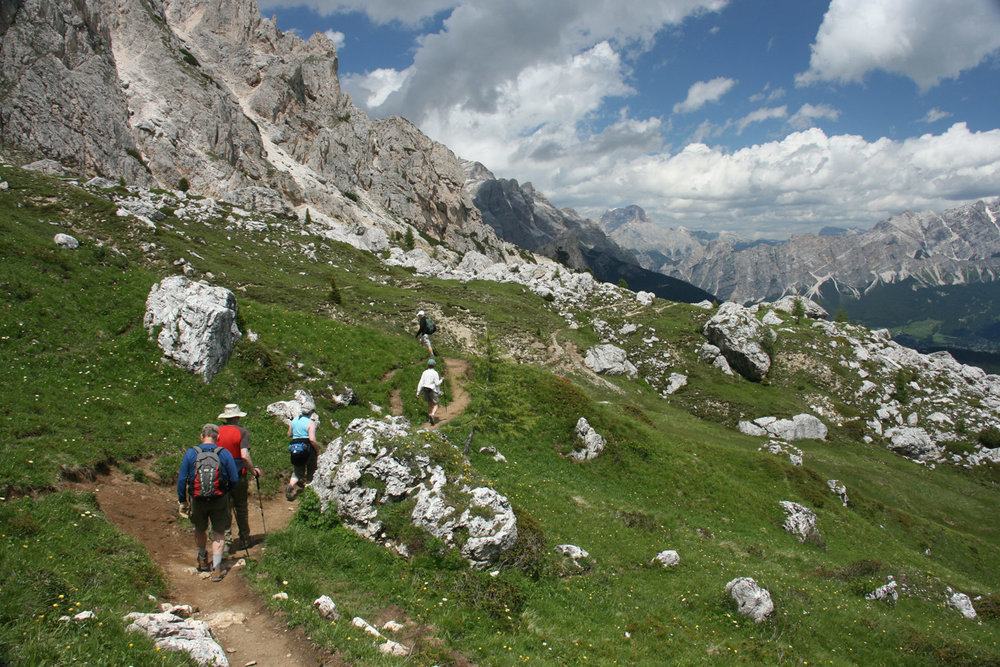 italian alps hiking tour