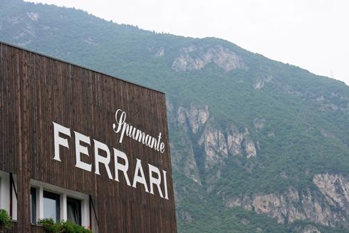 Ferrari_ext_8248