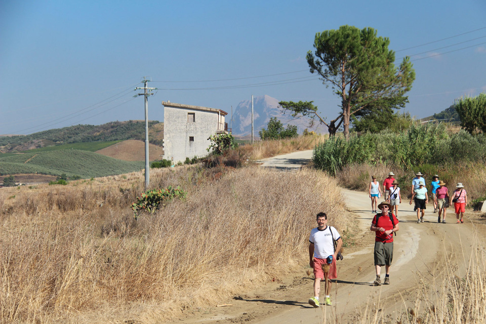 sicily walking tours