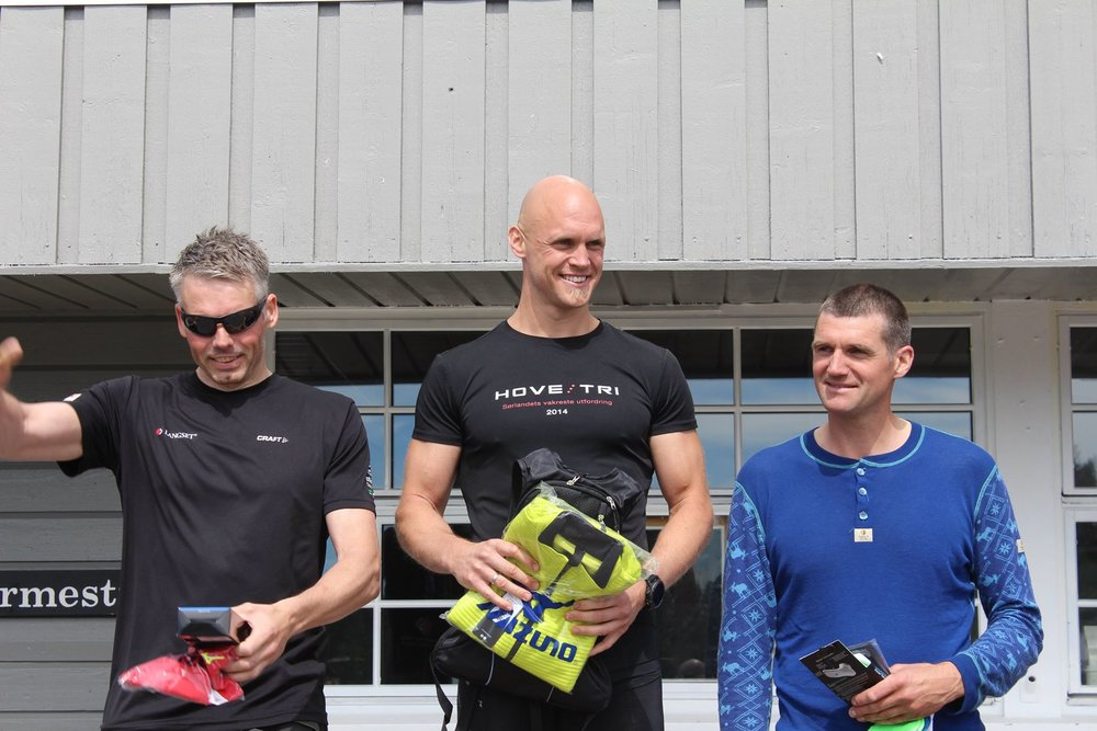 Dagens 3 raskeste hardhauser. 1. plass Espen Tingsaker i midten,2. plass Vidar Trydal til venstre og 3.plass Helge Tønnesen til høyre.