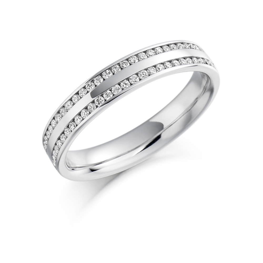 0.26ct brilliant cut diamond half eternity in 18ct gold.