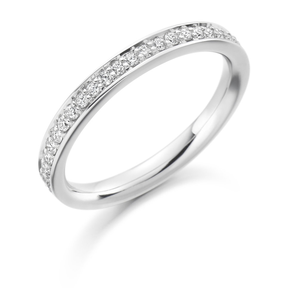 0.25ct brilliant cut diamond half eternity in 18ct gold.