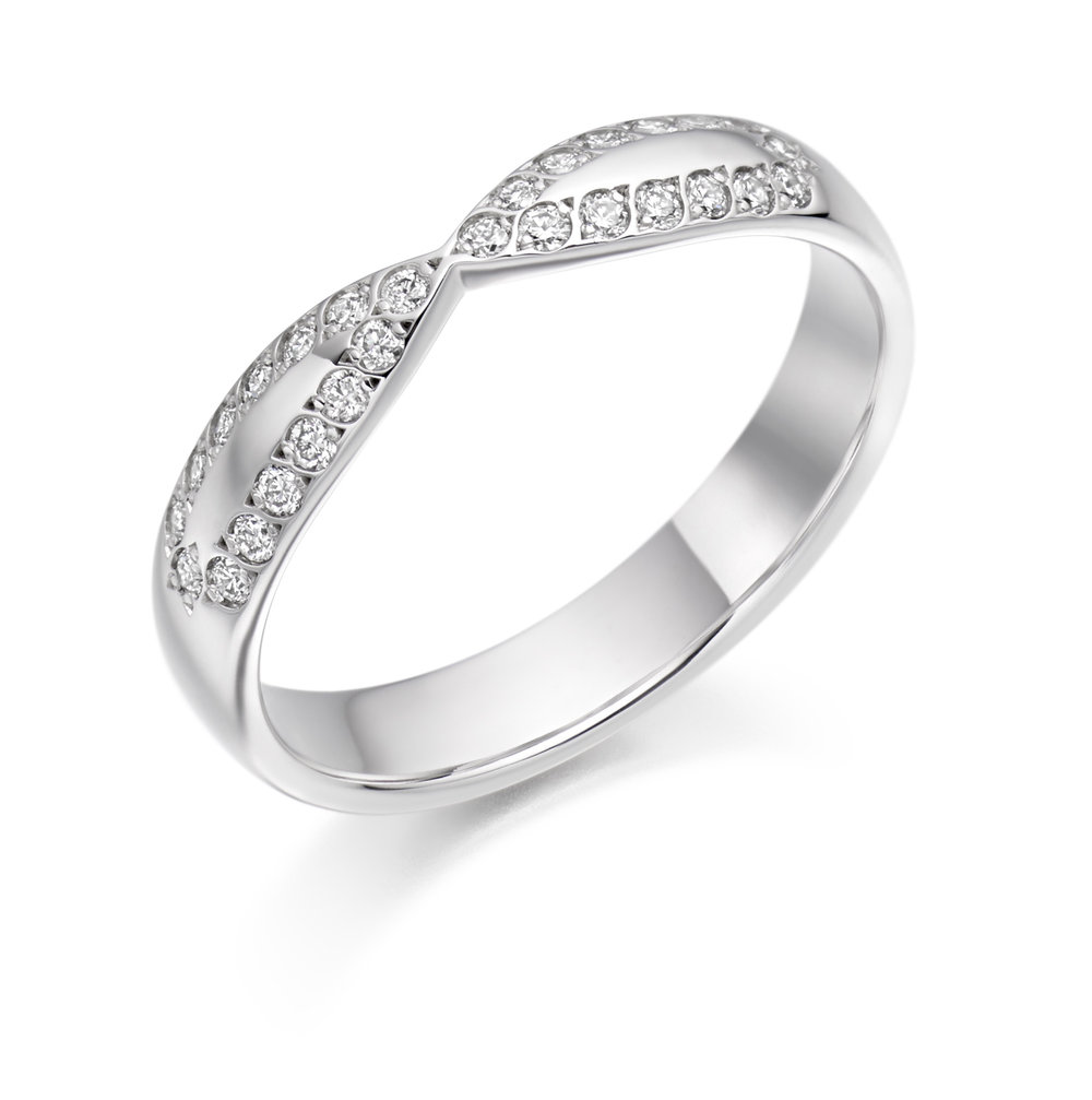 0.25ct brilliant cut diamond curved & shaped wedding ring in 18ct gold.