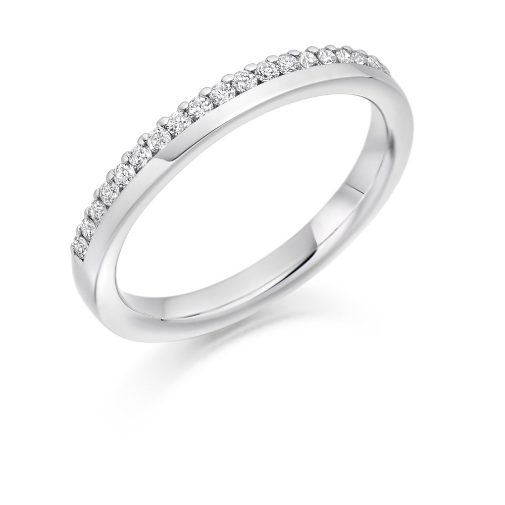 0.22ct brilliant cut diamond half eternity in 18ct gold