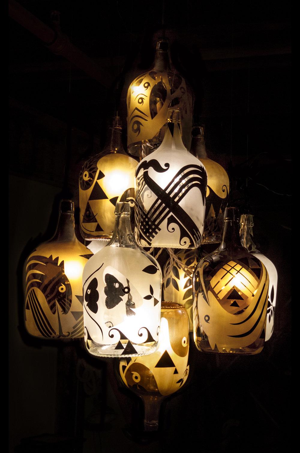 PONEROS_chandelier.jpg