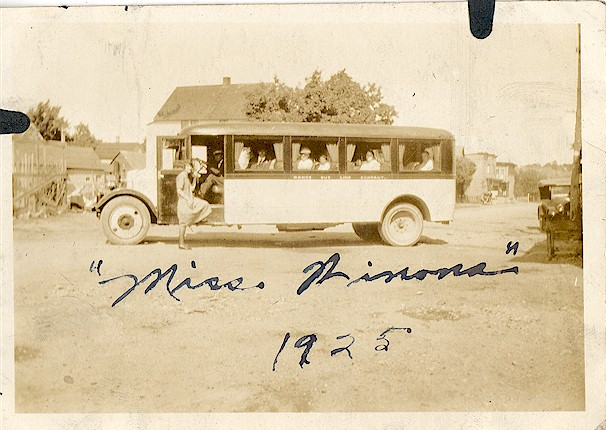 Bus_Miss_Winona_1925.jpg