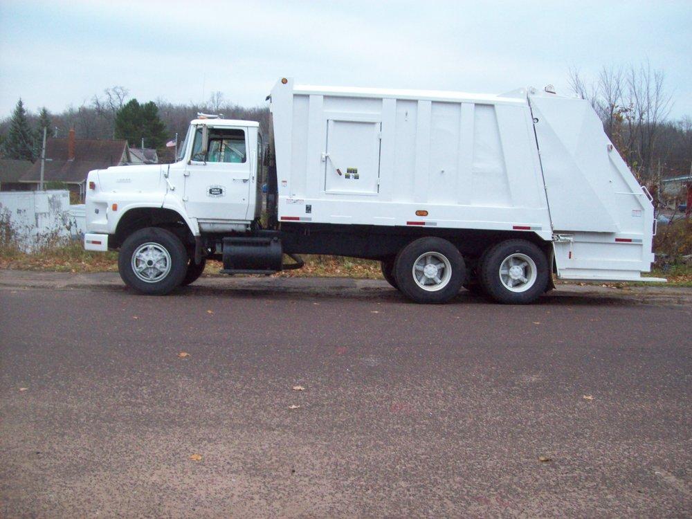 Garbage Truck 001.JPG