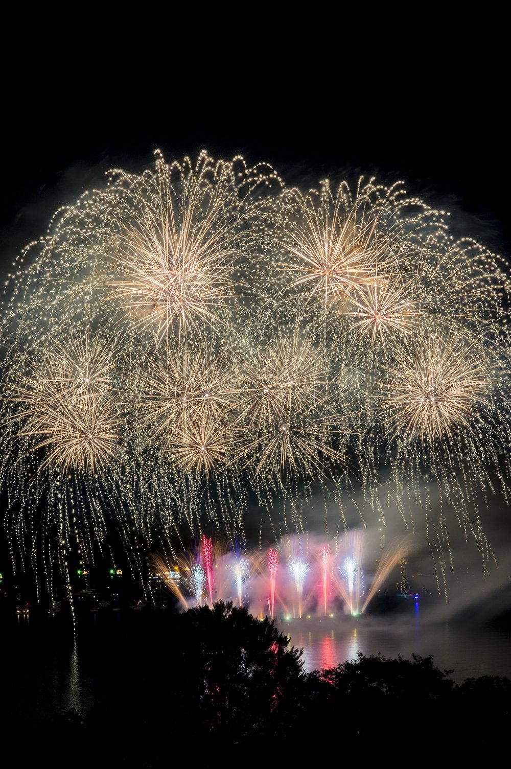 fireworks_japan.1002.jpg