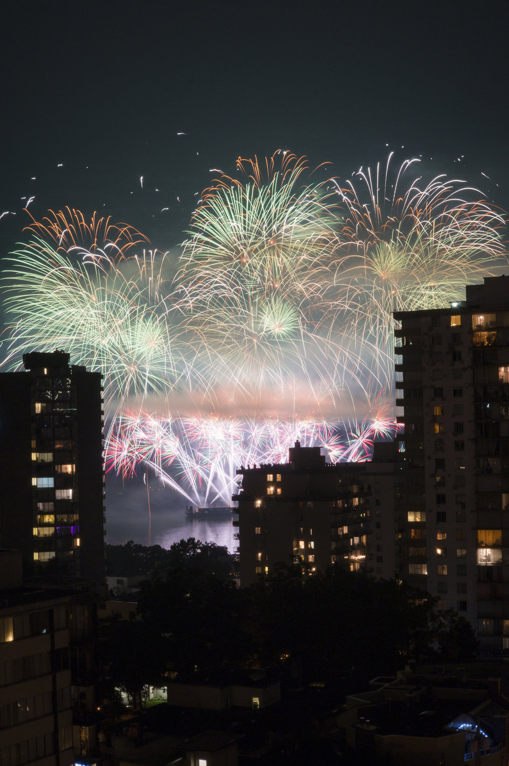 fireworks_uk.1009.jpg