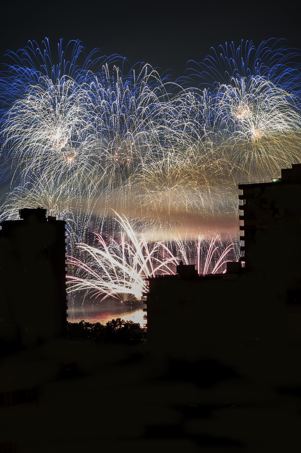 fireworks_uk.1013b.jpg