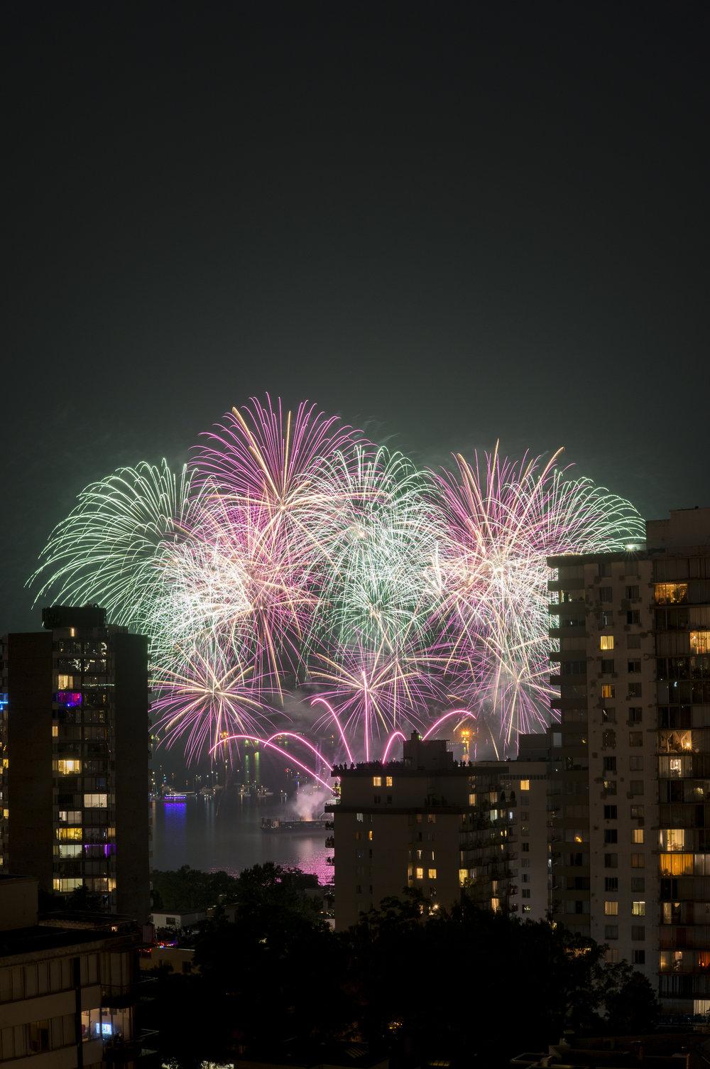 fireworks_canada.1002.jpg