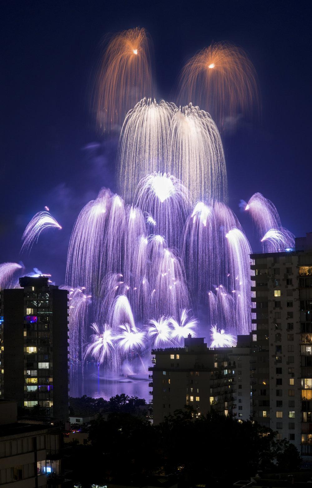 fireworks_canada.1001.jpg