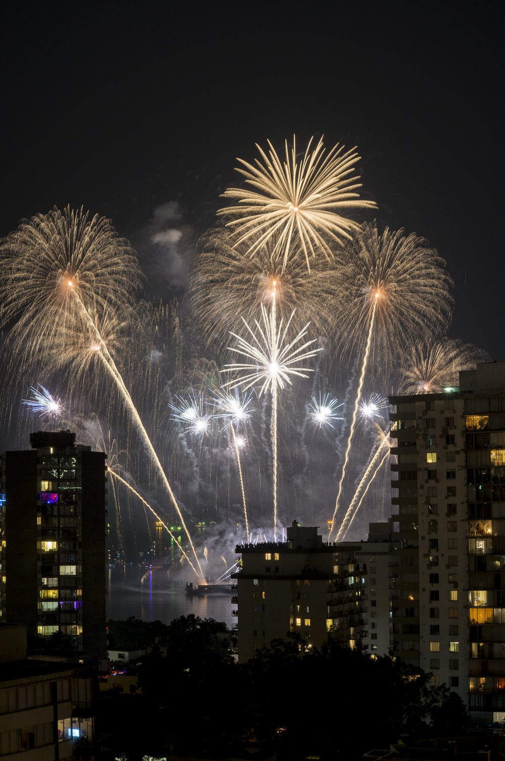 fireworks_canada.1010.jpg