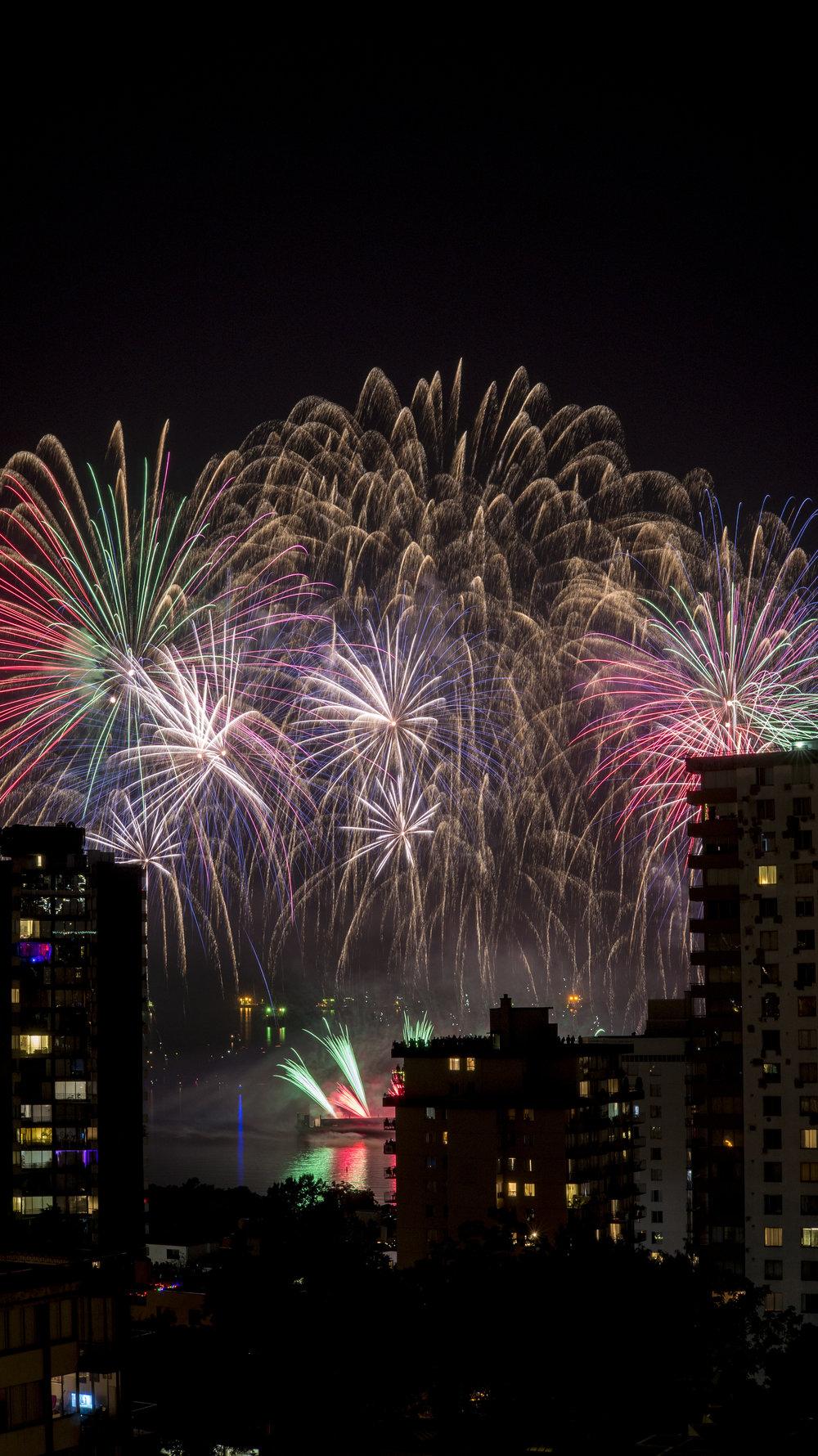 fireworks_canada.1014.jpg