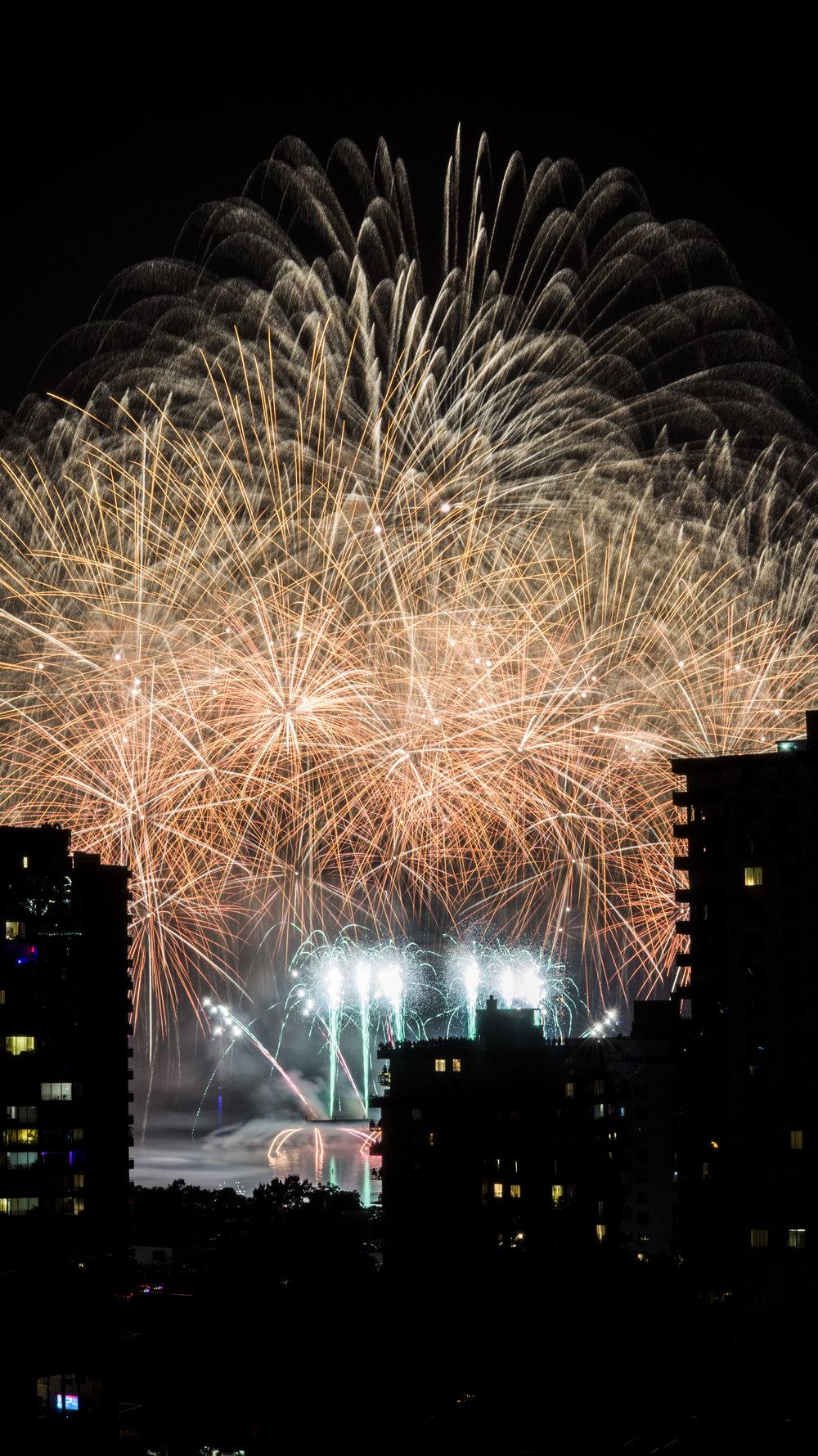 fireworks_canada.1022.jpg