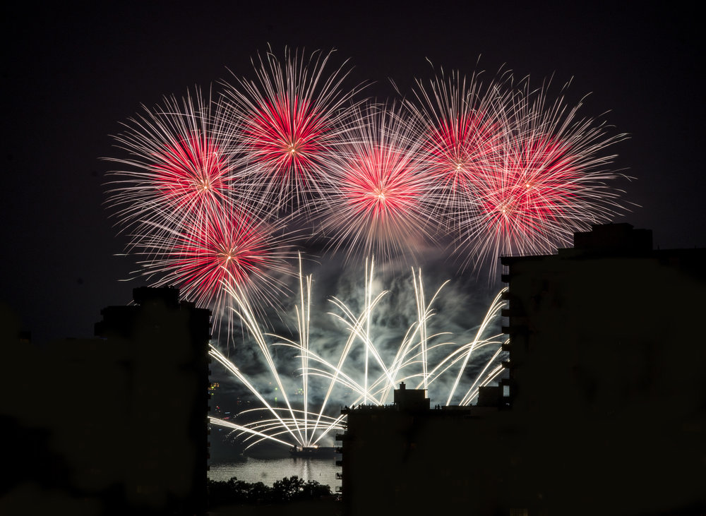 fireworks_uk.1002b.jpg