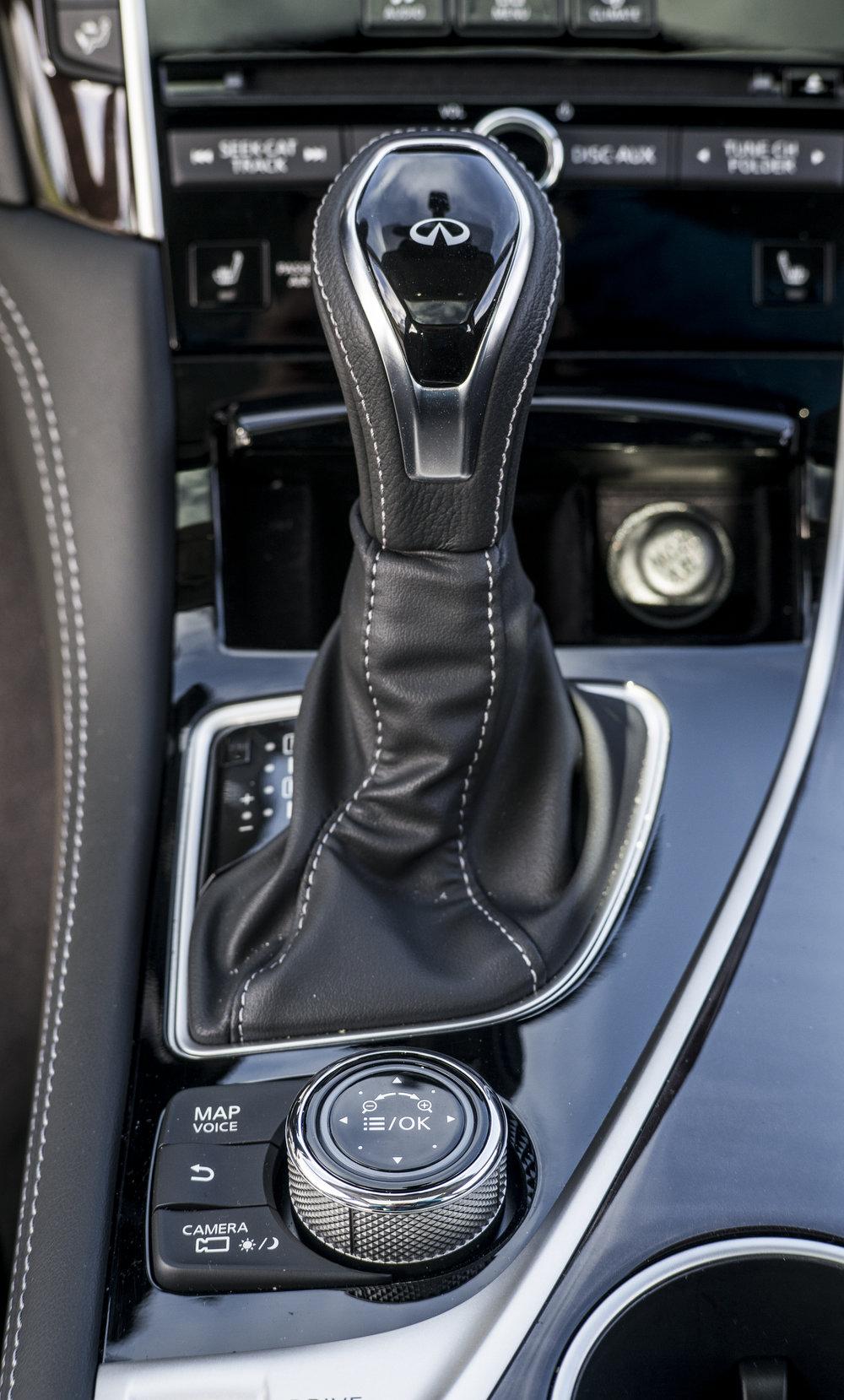q50.interior.1007.jpg