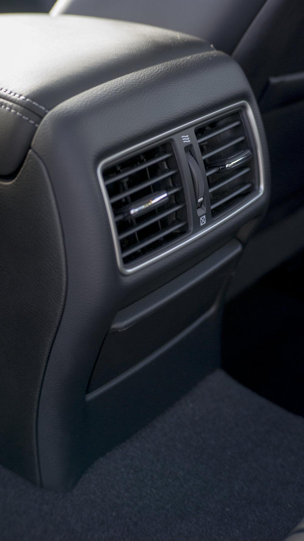 q50.interior.1004.jpg