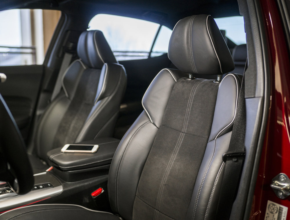 tlx_front_seat.1001.jpg