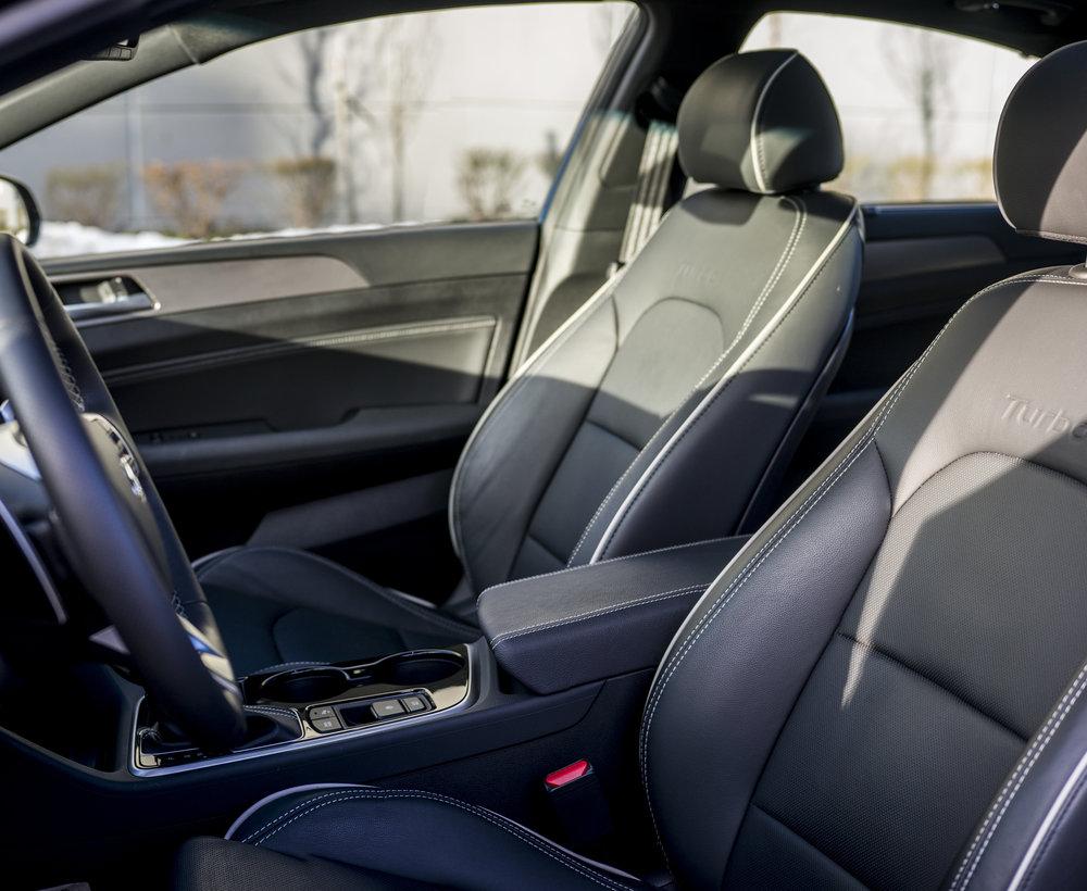 sonata_turbo.interior.1001.jpg