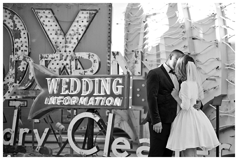 Neon_Museum_Las_Vegas_Destination_Wedding_photos-13.jpg