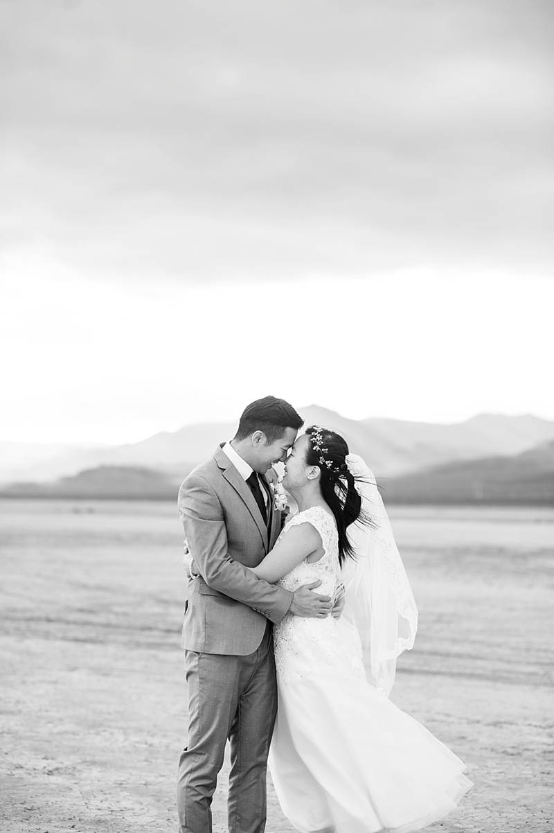 Dry_lake_bed_Las_vegas_Desert_elopement-1.jpg