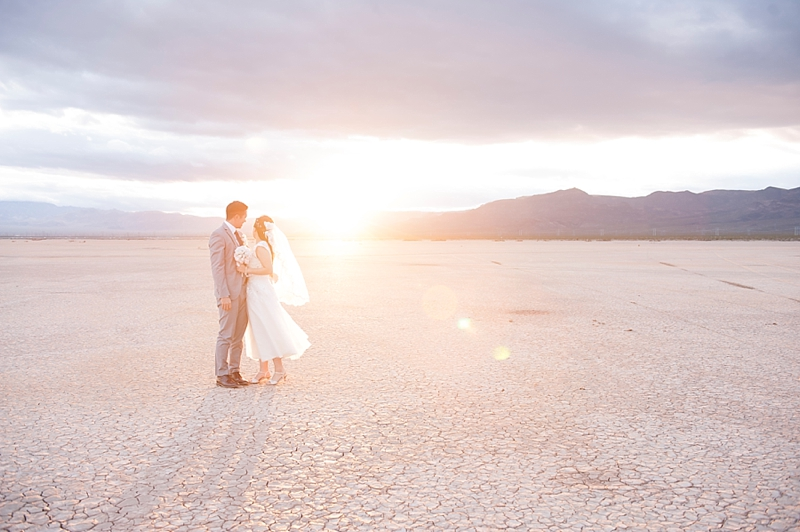 Dry_lake_bed_Las_vegas_Desert_elopement-8.jpg